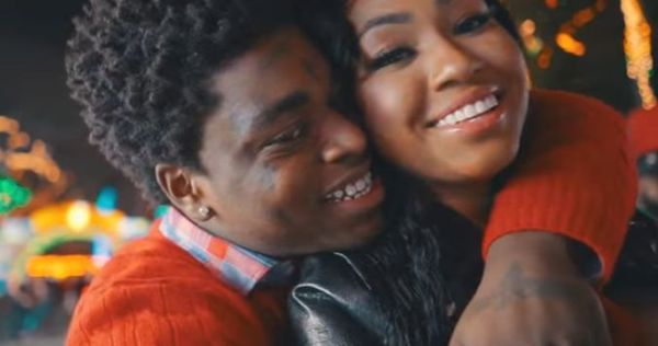 """Kodak Black Spends """"Christmas In Miami"""" With A City Girl"""