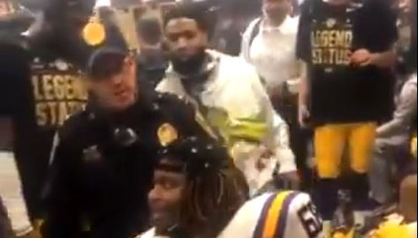 Arrest Warrant Out For Odell Beckham Jr Because He Slapped Cop's Butt [VIDEO]