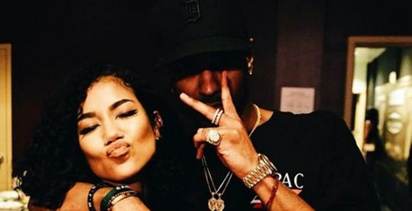 Big Sean Reacts To Jhene Aiko Stuffing Raw Fish In His Face [VIDEO]