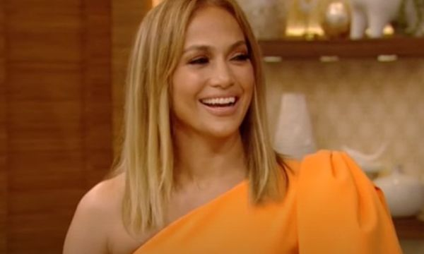 Jennifer Lopez Heats Up the Internet In Skimpy Bikini