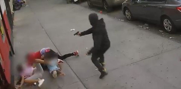 Watch Bronx Man Open Fire On Opp With Kids Next To him