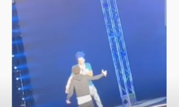 Watch A Crazed Fan Rush Lil Baby On Stage
